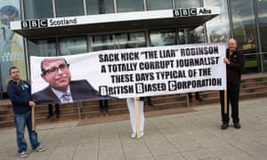 Scottish independence referendum: yes'supporters demonstrate outside BBC Scotland's HQ in Glasgow