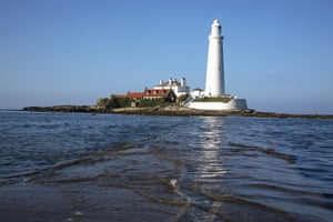 Snooping around - 16/07: Lighthouse/pub in Tyne and Wear