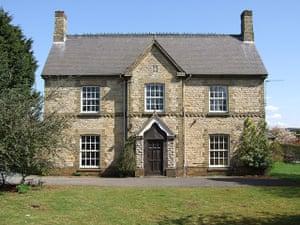 Snooping around - 16/07: Ex-farmhouse in Fulbeck
