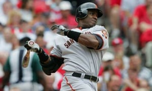 Baseball player Barry Bonds at bat