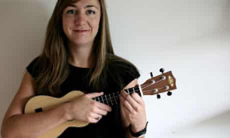 lorraine bow ukulele teacher