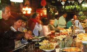 Table-turning is bad manners, diners say