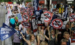 Thousands of public sector workers and teachers march through central London