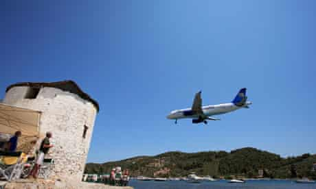 Thomson and Thomas Cook add fuel surcharges to holiday flights