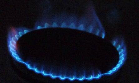 Energy bills drive more consumers into debt