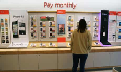 Customer looking at monthly contract mobile phones