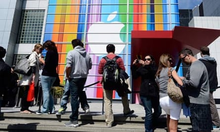 Apple launches iPhone 5 in San Francisco