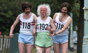 118 118 runners escorting an aged 192