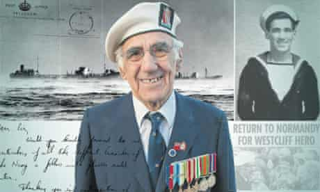 WWII veteran Robert Mendoza