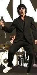 Paul Smith of Maximo Park at Reading 2007