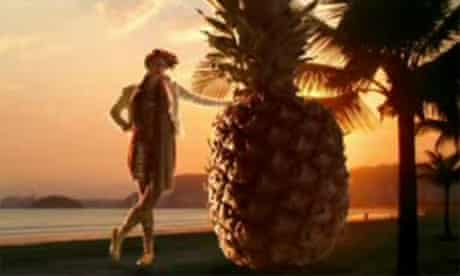 Still from La Roux's video for Quicksand