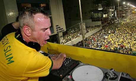 Fatboy Slim DJs in Brazil