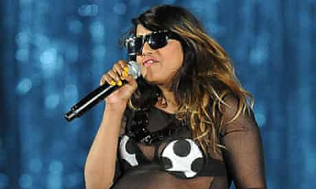 MIA performing while pregnant at the Grammys