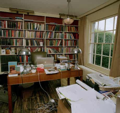 Writers' rooms: 04.04.2009: David Starkey