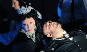 Josephine Barstow and Jeffrey-Lloyd Roberts in The Queen of Spades