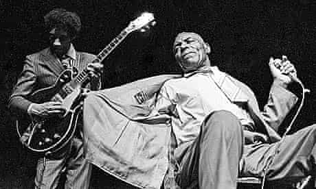 Hubert Sumlin and Howlin Wolf in 1971