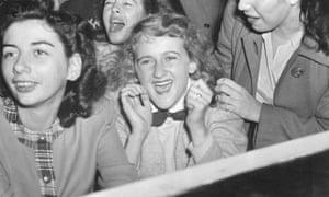 Fans of Frank Sinatra