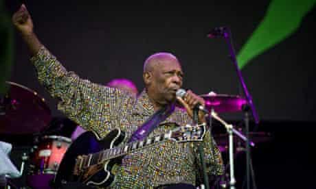 BB King performing at Glastonbury 2011