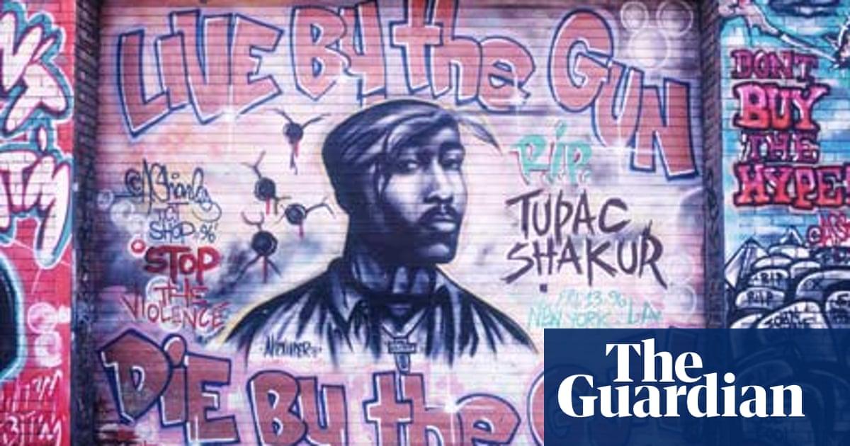 Tupac and Biggie die as a result of east/west coast beef