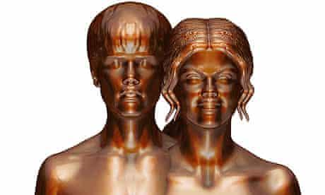 Justin Bieber and Selena Gomez nude sculpture