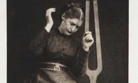 Catalepsy provoked by sound of the tuning fork