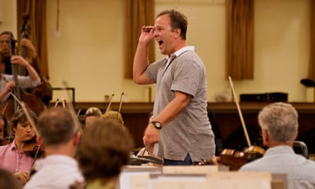 Sakari Oramo rehearsing with the BBC Symphony Orchestra