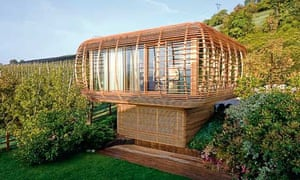 Fincube low-energy house