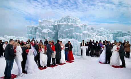 Mass Wedding On Valentine's Day In Bloomington