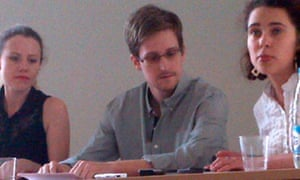 Human rights activists meet with Edward Snowden in Moscow