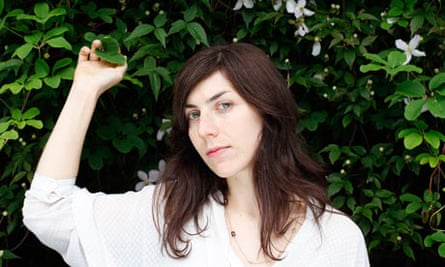 Julia Holter, feature