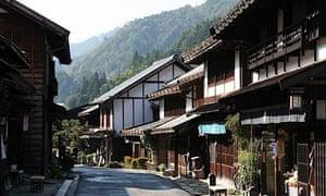 Kate Graham Walks Along Tradional Japanese Pathways