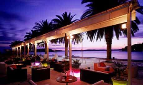 Riva Bar and Restaurant
