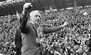 Bill Shankly salutes the Anfield faithful