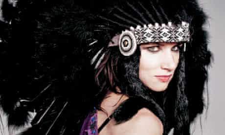Juliette Lewis in native American headdress