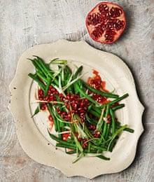 Green bean and pomegranate salad