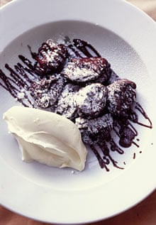 Prunes with chocolate and crème fraîche