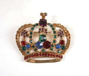 Michael Jackson's auction: Michael Jackson's crown brooch