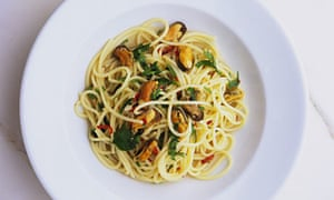 Nigel Slater's spaghetti and mussels