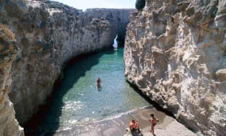 Papafragas, Milos, Cyclades
