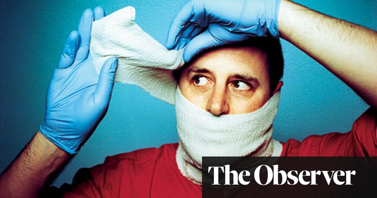 Ambulance driver Tom Reynolds speaks about his job | Books | The