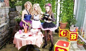 Dolly Rockers sipping champagne