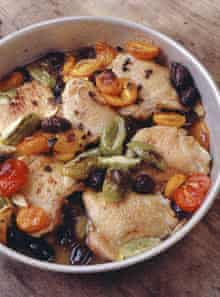 Baked chicken with tomatoes and olives
