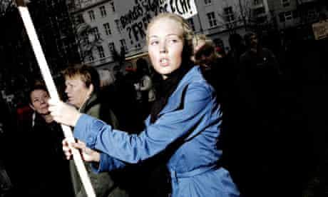 Icelanders protest outside parliament in Reykjavik