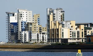 House prices fall as market slows