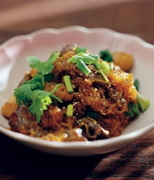 Glass noodles stir-fried with mushrooms