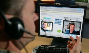 phone-call-colleagues-on-screen-technology