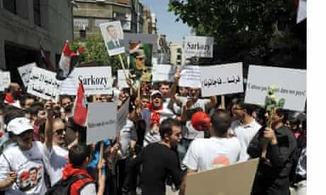 pro-government-protesters-damascus-syria