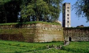 lucca-walls-readers-tips-tuscany