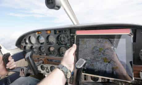 pilot, iPad,