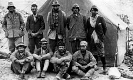 1924 Everest team, Irvine and Mallory rear left